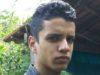 Jovem de 22 anos morre após bater moto em carro