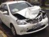 Motorista bate carro em casa no centro de Espera Feliz